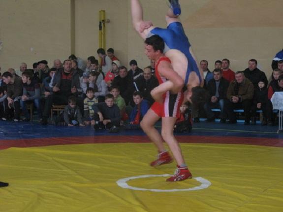 В Саратском районе состоялся турнир по вольной борьбе