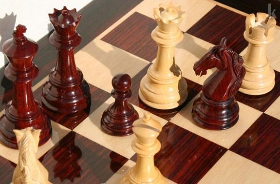 В Болградском районе ветераны с учениками играли в шахматы и шашки
