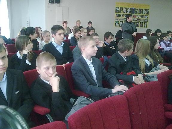 Ильичёвские милиционеры посетили местную школу