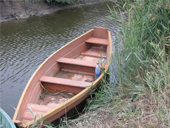 Видео как своими руками сделать лодку плоскодонку