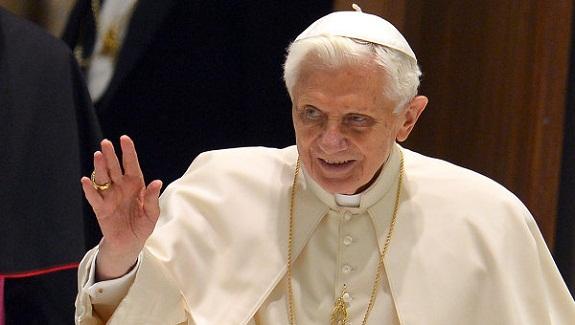 После отречения Папы Римского в собор Святого Петра ударила молния