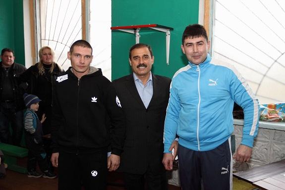 Народный депутат наградил участников турнира по кикбоксингу в Арцизском районе