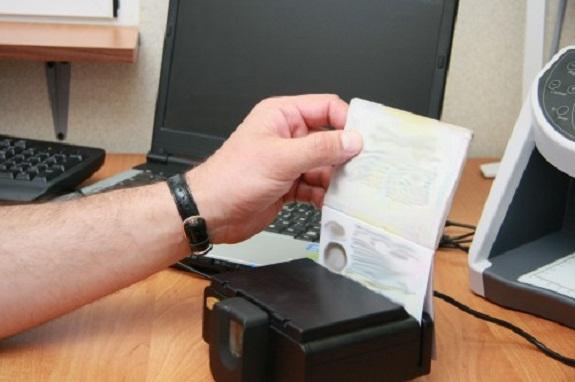 В Измаильском районе поймали двух россиян с поддельными паспортами
