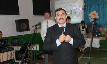 Нардеп поздравил с юбилеем деленскую школу (ФОТО)