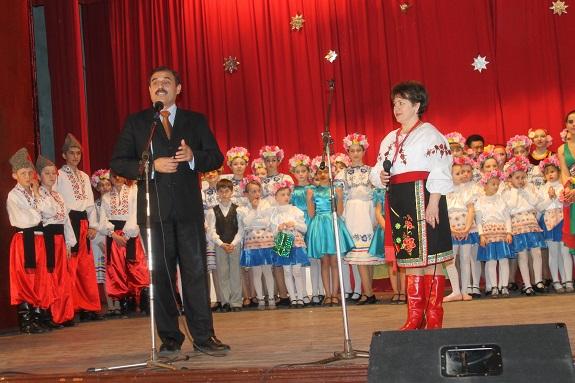 Нардеп поздравил с юбилеем танцевальный ансамбль Саратского района (ФОТО)