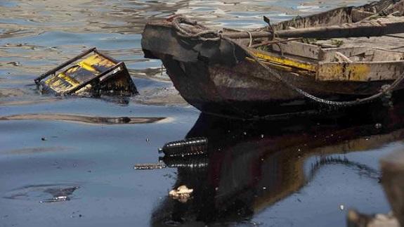 В Ренийском порту произошла утечка нефтепродуктов