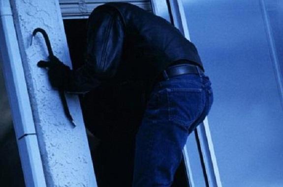 В Саратском районе подросток ограбил дом своего односельчанина