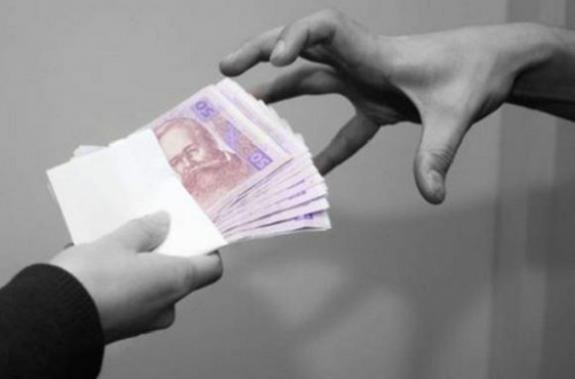 В Белгород-Днестровском мошенники под видом фирмы выманили у жителей 35 тысяч гривен