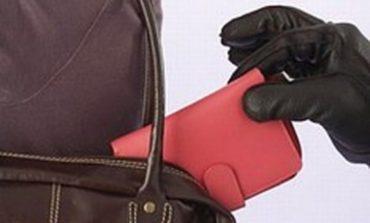 В Измаильском районе пожилая женщина ограбила подростка