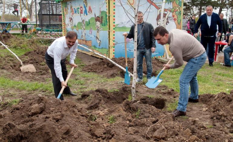 Народный депутат принял участие в одесском субботнике