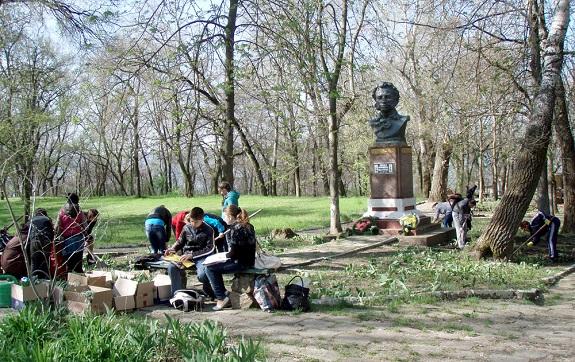 В Болграде возрождают городской парк (ФОТО)