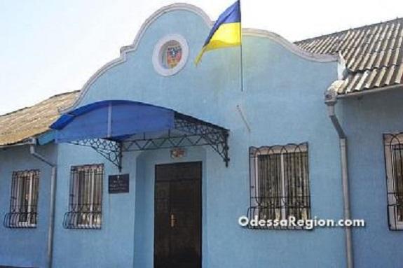 Арцизские депутаты отдали здание гостиницы под пункт скорой помощи