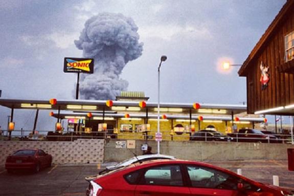 Взрыв на заводе в Техасе убил десятки американцев