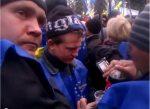 Митингующие под Радой оппозиционеры распивали спиртные напитки