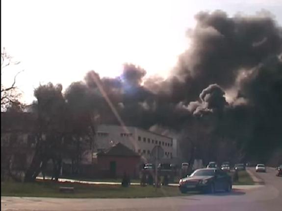 Крупный пожар в Южном: горел склад с сантехникой