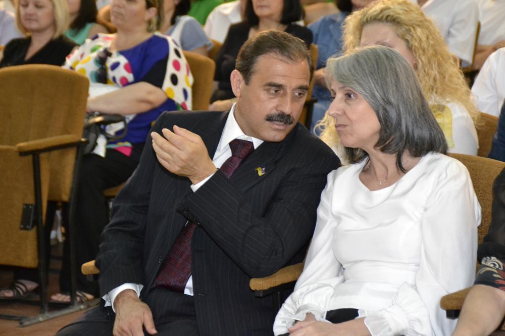 Вице-президент Болгарии и нардеп побывали в болградской гимназии им. Раковского