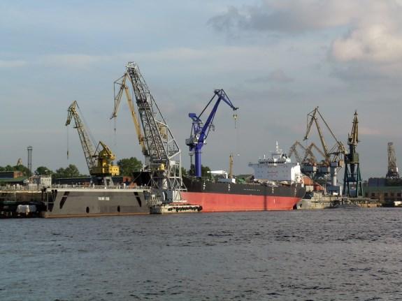 Измаильский порт не собирается увольнять сотрудников
