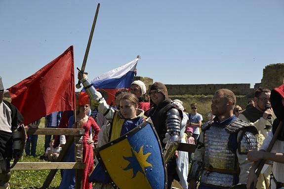 В Белгород-Днестровском прошёл фестиваль исторического фехтования
