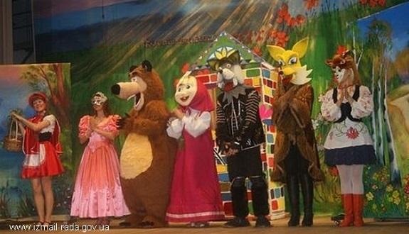 В Измаиле прошло первое выступление театра ростовых кукол