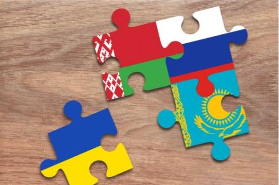 Украина готовится стать наблюдателем в ТС