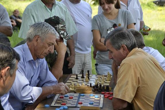 В Болградском районе выбрали лучших шахматистов и шашистов (ФОТО)