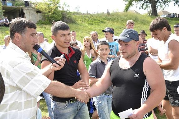 В селе Виноградовка выбрали самого сильного (ФОТО)