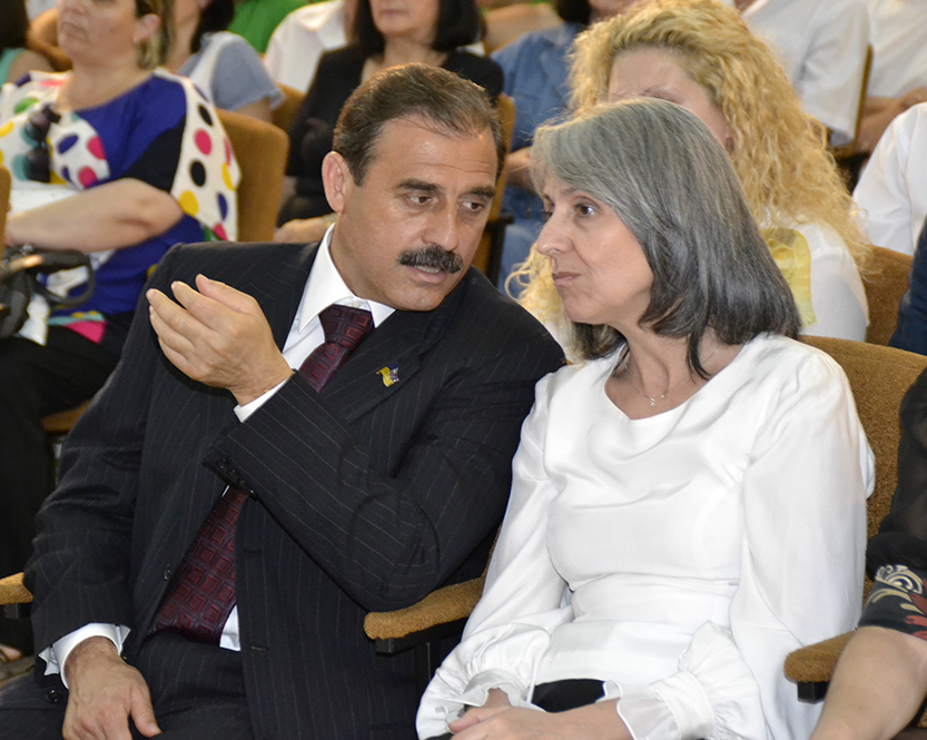 Вице-президент Болгарии и нардеп посетили болградскую гимназию (ФОТО)