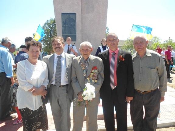 Нардеп побывал на открытии памятника погибшим солдатам в Ройлянке (ФОТО)