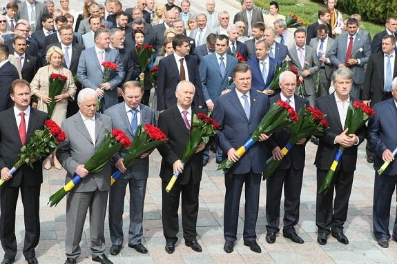 Нардеп почтил память Тараса Шевченко (ФОТО)