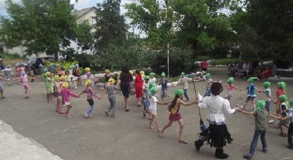 Дети Арцизского района побывали в «Стране детства» (ФОТО)
