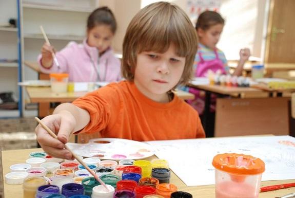 В Болградском районе активно развивается система дошкольного и внешкольного образования — чиновник