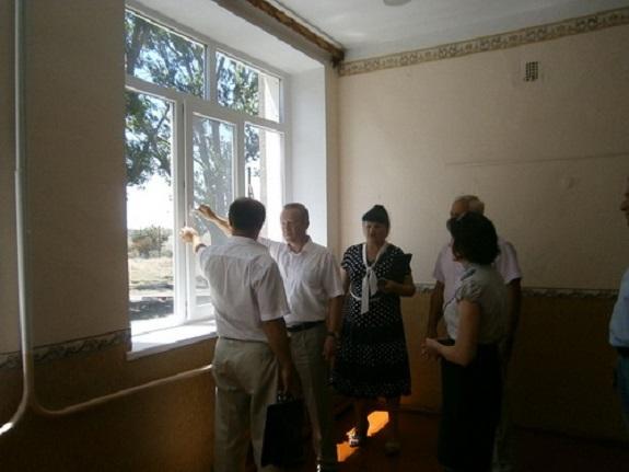 В Саратском районе отремонтировали сельскую школу