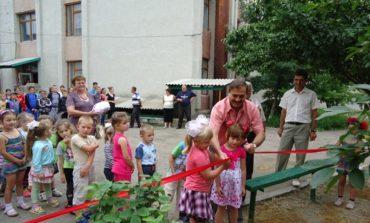 Антон Киссе подарил детям Тарутинского района ещё 4 игровые площадки