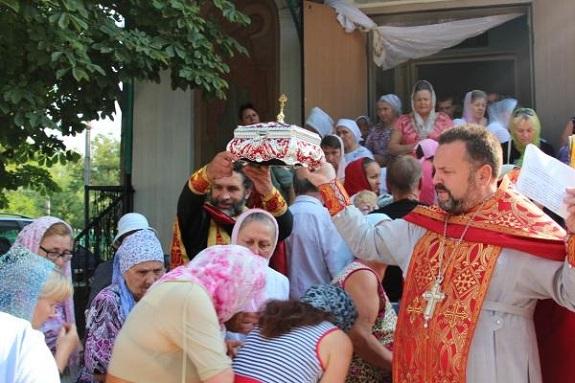 В Белгород-Днестровском Крещение Руси отметили крестным ходом (ФОТО)