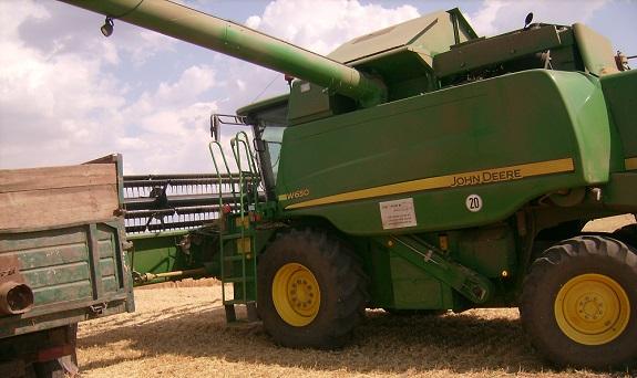 Арцизский район в тройке лидеров по сбору урожая в Одесской области (ФОТО)