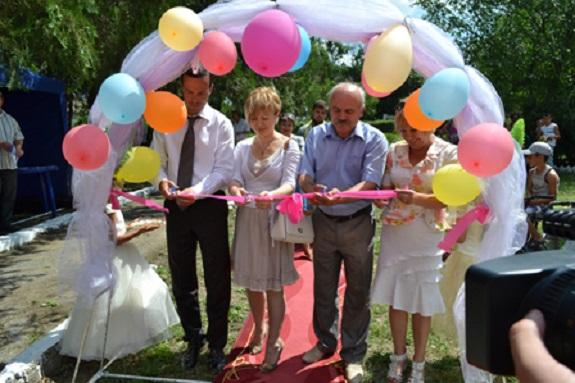 В Болградском районе сельские дети получили новую площадку