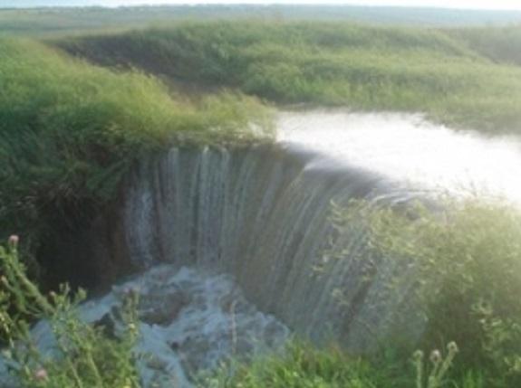 Населённые пункты Саратского района продолжает затапливать
