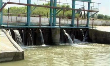 В Тарутинском районе дамба находится под угрозой разрушения