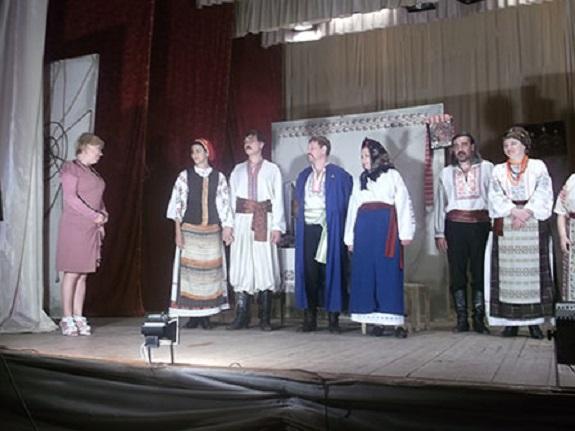В Болградском районе со спектаклем выступили одесские актёры