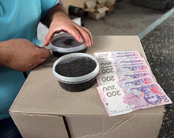 На рынке Вилково незаконно продавали чёрную икру