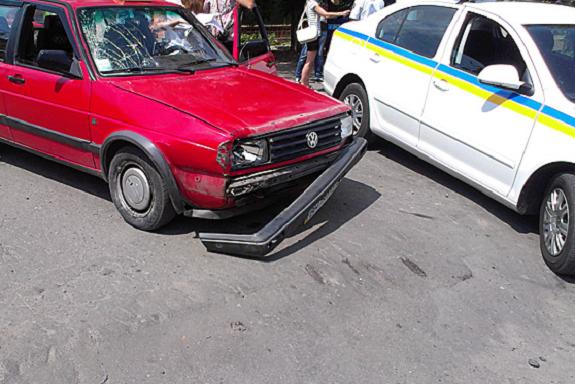 В Измаиле лихач на «Volkswagen» сбил велосипедиста и скрылся