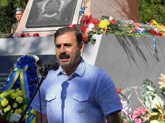 Народный депутат вместе с жителями отметил День ВДВ в Болграде (ФОТО)