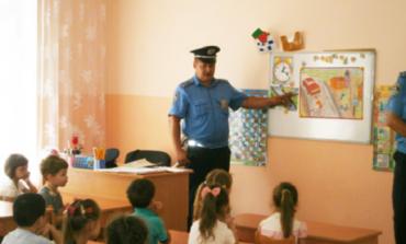 Тарутинские милиционеры наведались в детский садик