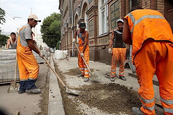 В Рени ремонтируют тротуары