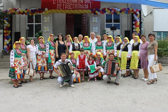 Антон Киссе поздравил жителей села Петросталь с Днём рождения (ФОТО)