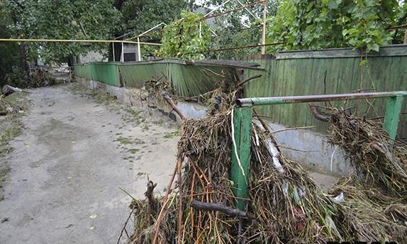 В селе Городнее газопровод не выдержал удара стихии
