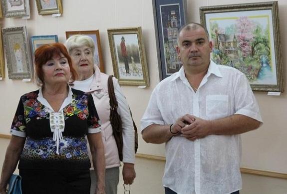 В Белгород-Днестровском открылась выставка вышитых картин (ФОТО)