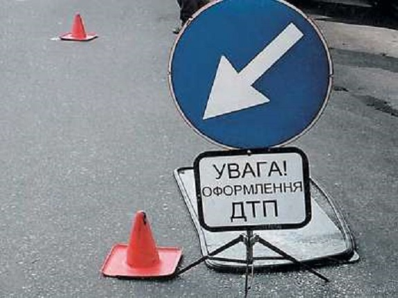 В Саратском районе трактор врезался в мотоцикл