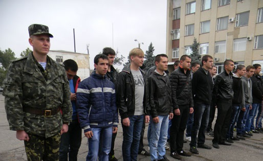 В Болграде торжественно проводили в армию призывников (ФОТО)