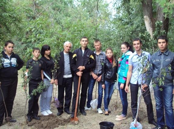 Акция «Посади дерево» прошла в Арцизском районе (ФОТО)
